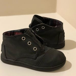 Toms toddler boy boots